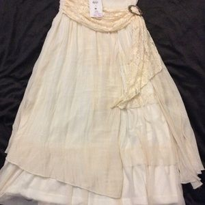 Pretty Angel ivory multi layer maxi skirt size med